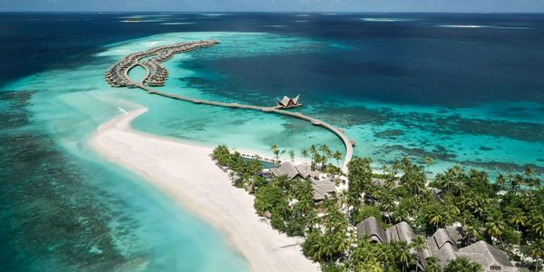 Travel to Maldives: Which islands to visit and what not to do