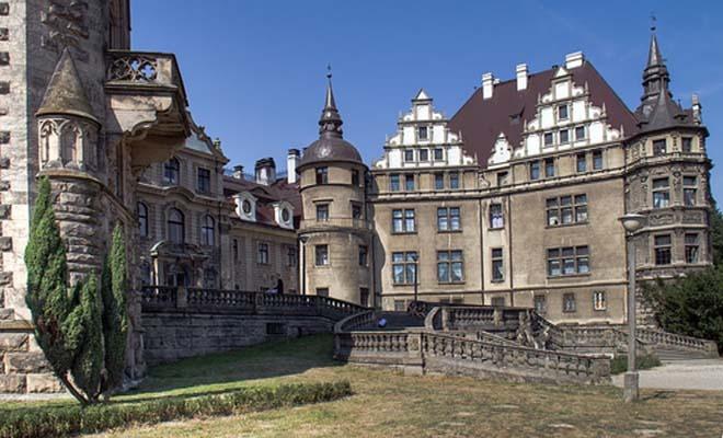 Moszna Castle history